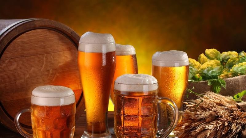 До чого сниться пиво (пити, купувати та інші сни) — тлумачення по Міллеру та іншим сонникам